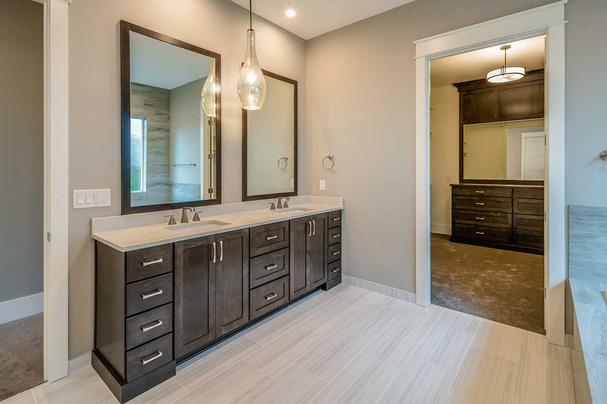 Gallery-Bathrooms-12828-nw-40th-173