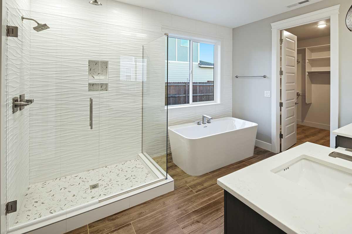 Gallery-Bathrooms-18506-NE-82nd-127