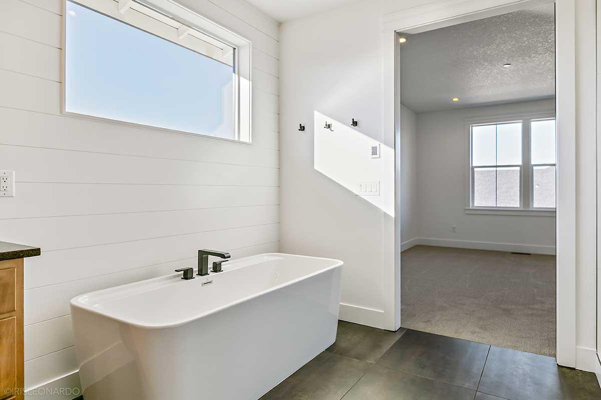 Gallery-Bathrooms-2B5A0332