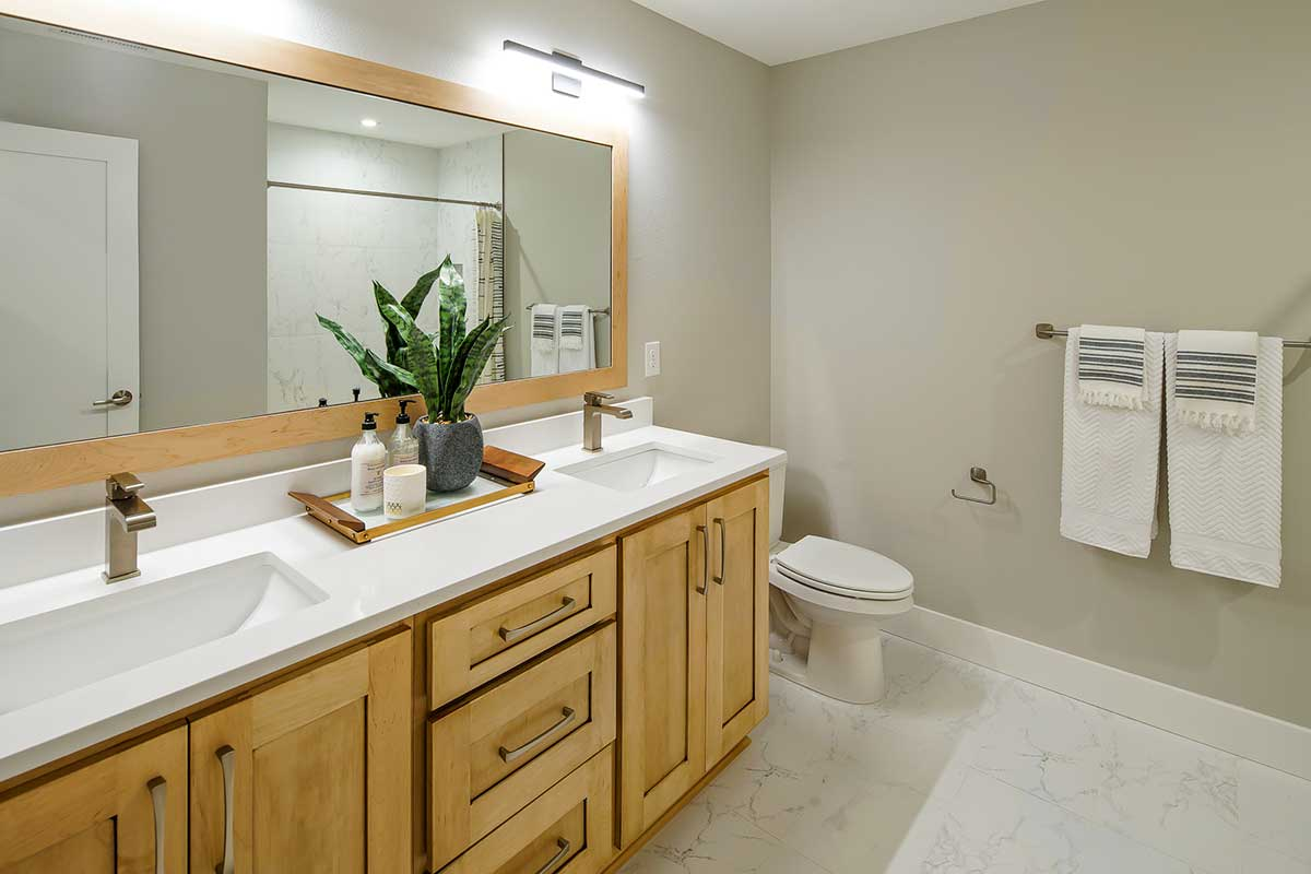 Gallery-Bathrooms-4210-43rd-Place-136