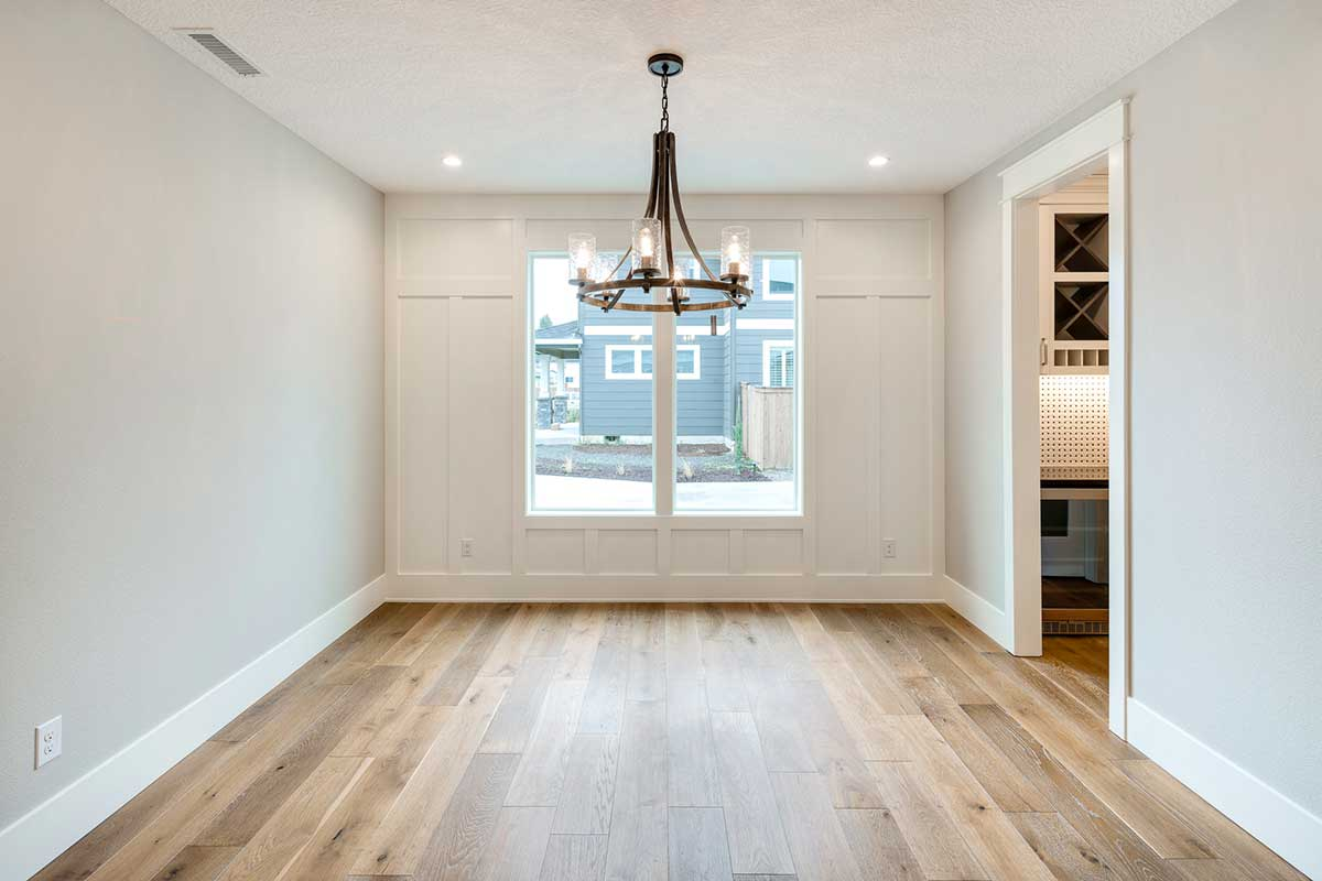 Gallery-LivingDinning-12806-NW-40th-Ave-106