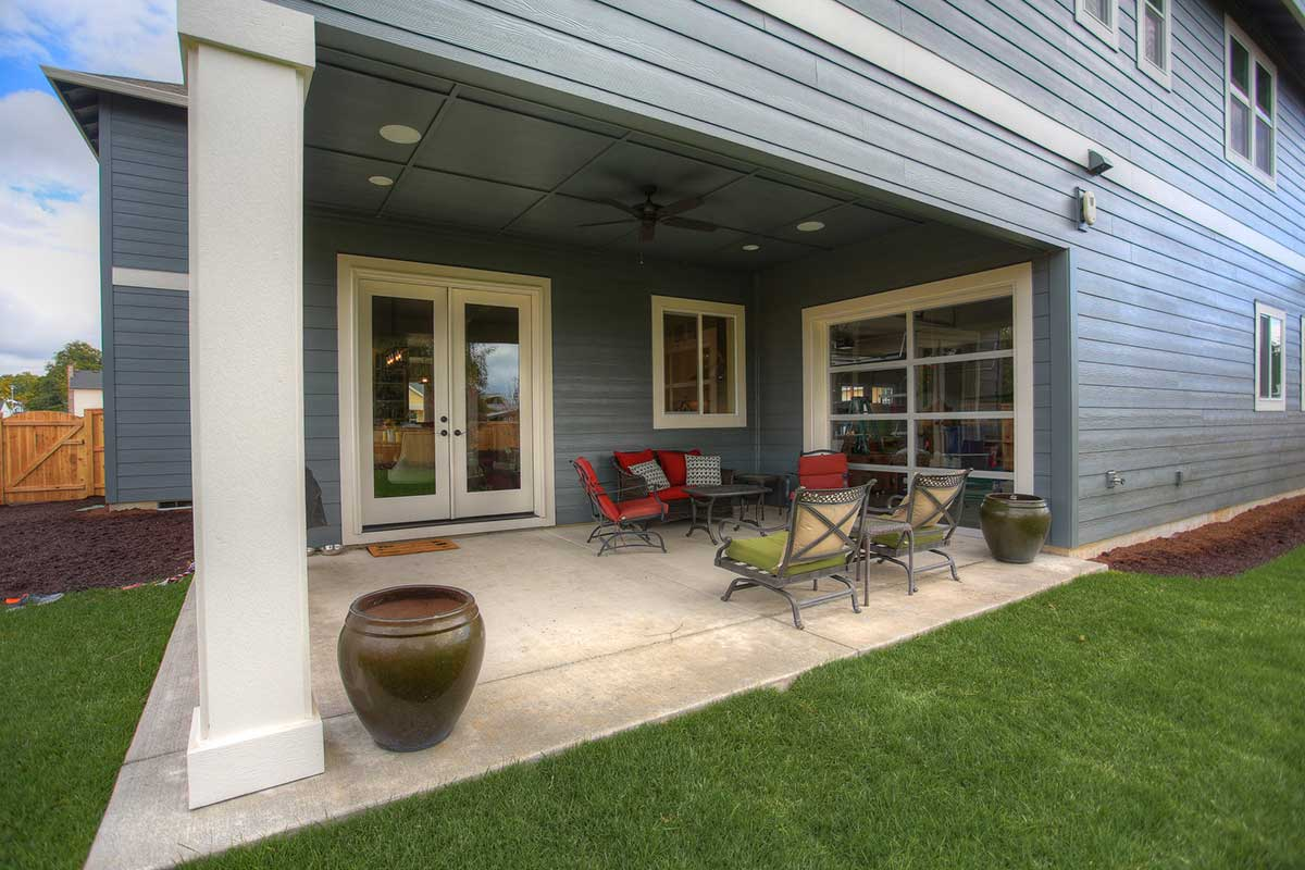 Gallery-Outdoor-12812-NW-40th-Ave-(75)