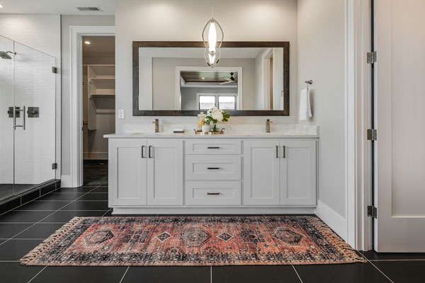 HomeFeatures-Cabinets4